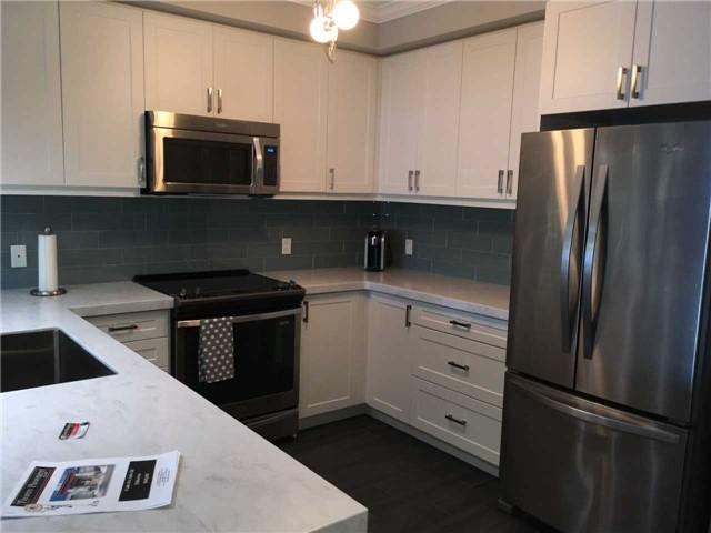 Condo Apartment at 4 Lake Ave, Unit 204, Dysart et al, Ontario. Image 3