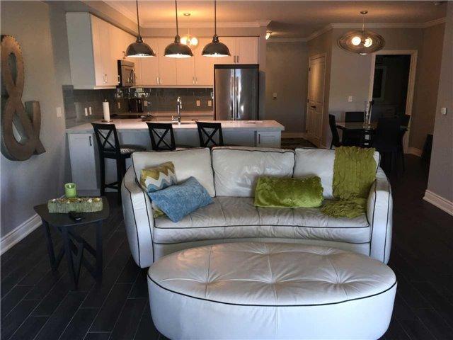 Condo Apartment at 4 Lake Ave, Unit 204, Dysart et al, Ontario. Image 4