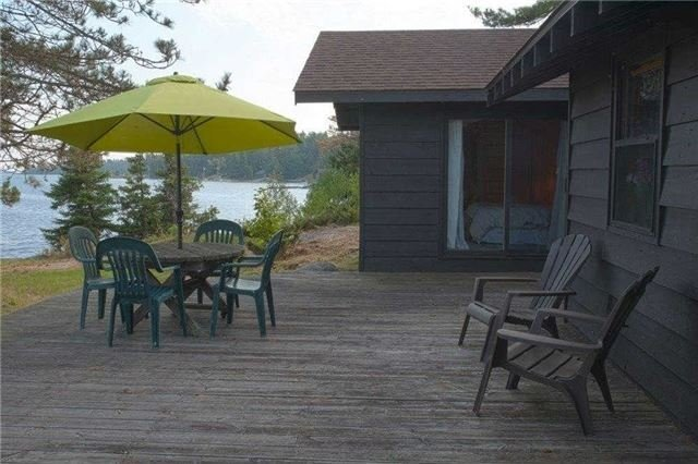 Cottage at B-490 Bent Tree Island, The Archipelago, Ontario. Image 3