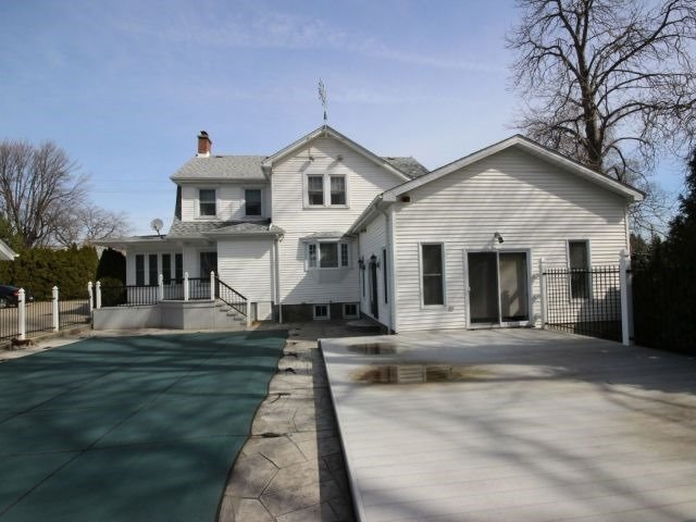 Detached at 3089 Seacliff Dr, Kingsville, Ontario. Image 5