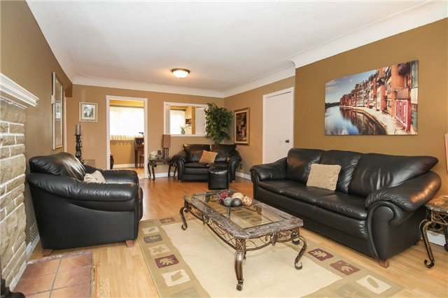 Detached at 1133 Upper Paradise Rd, Hamilton, Ontario. Image 18