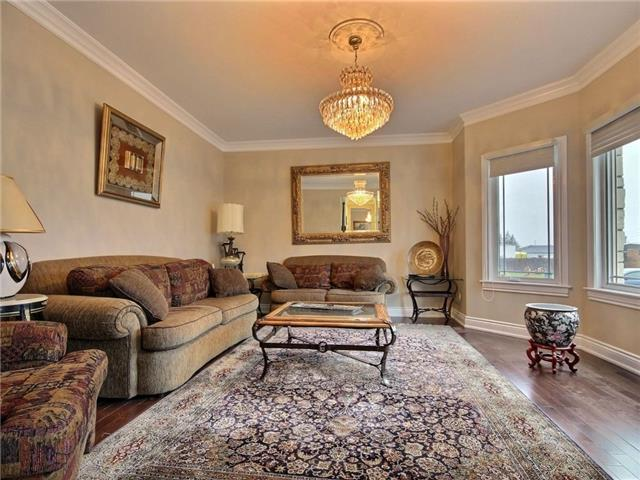 Detached at 100 Issam Private, Ottawa, Ontario. Image 15