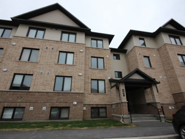 Condo Apartment at 185 Bluestone Private, Unit 8, Ottawa, Ontario. Image 1