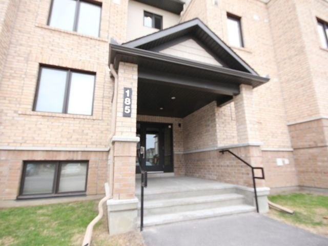 Condo Apartment at 185 Bluestone Private, Unit 8, Ottawa, Ontario. Image 10