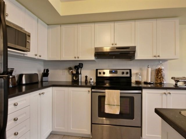 Condo Apartment at 185 Bluestone Private, Unit 8, Ottawa, Ontario. Image 12