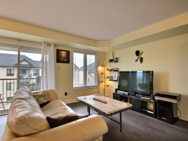 Condo Apartment at 185 Bluestone Private, Unit 8, Ottawa, Ontario. Image 2