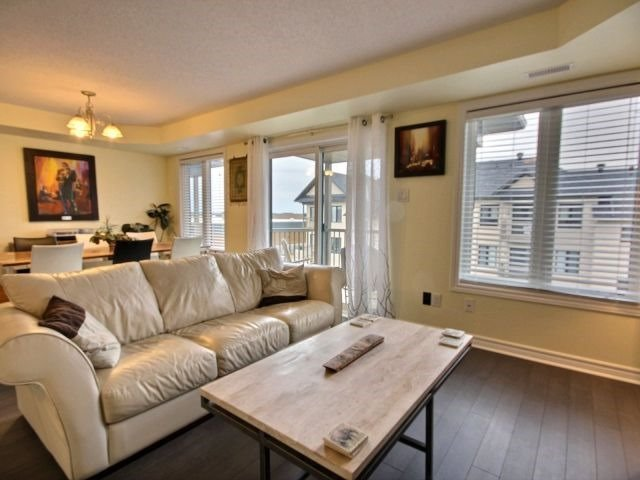 Condo Apartment at 185 Bluestone Private, Unit 8, Ottawa, Ontario. Image 3
