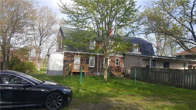 Semi-detached at 61 Plymouth Rd, Welland, Ontario. Image 5