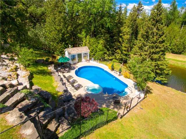 Rural Residence at , Ontario. Image 16