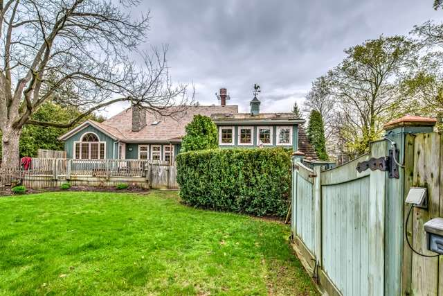 Detached at 493 Regent St, Niagara-on-the-Lake, Ontario. Image 13