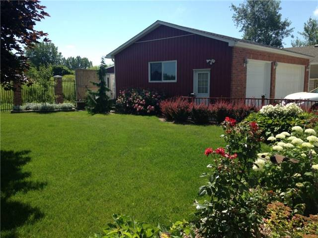 Detached at 7652 Harris Point Dr, Plympton-Wyoming, Ontario. Image 15