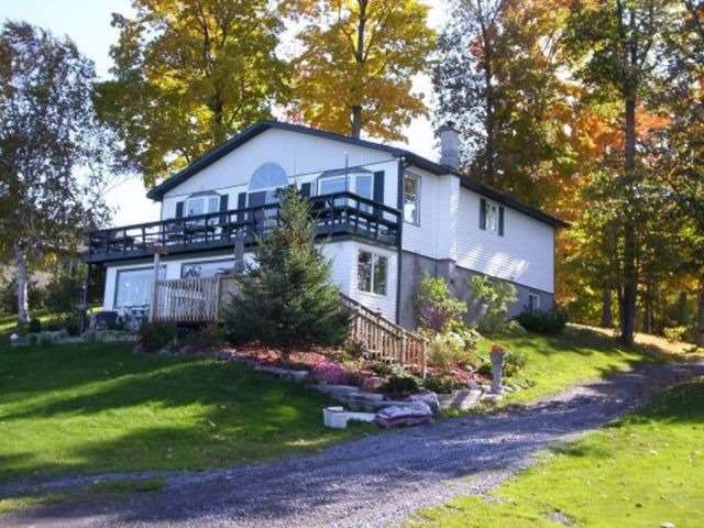 Detached at 1475 Concession 1, Alfred & Plantagenet, Ontario. Image 12