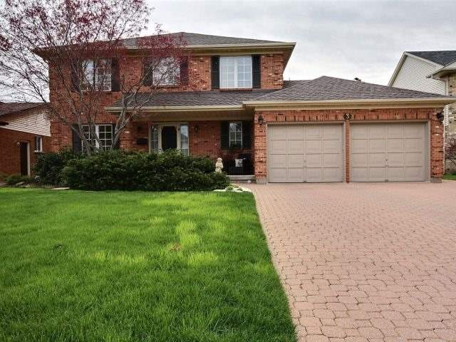Detached at 3 Macintosh Cres, St. Catharines, Ontario. Image 1