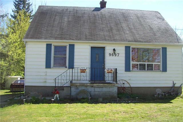 Detached at 9697 Dickenson Rd W, Hamilton, Ontario. Image 1