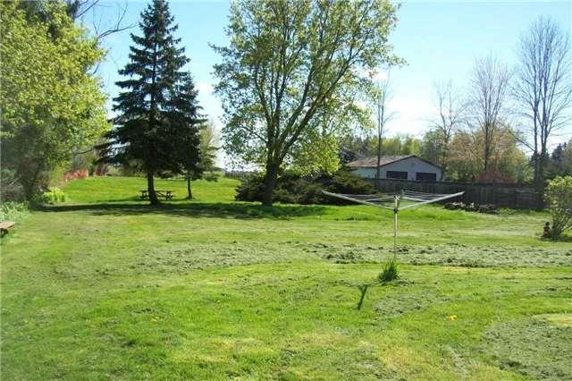Detached at 9697 Dickenson Rd W, Hamilton, Ontario. Image 2