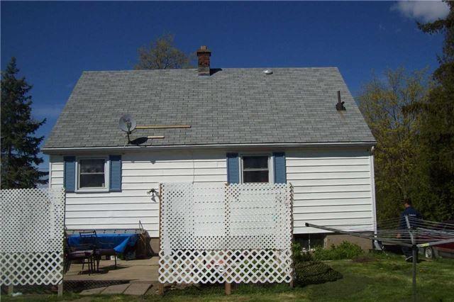 Detached at 9697 Dickenson Rd W, Hamilton, Ontario. Image 3