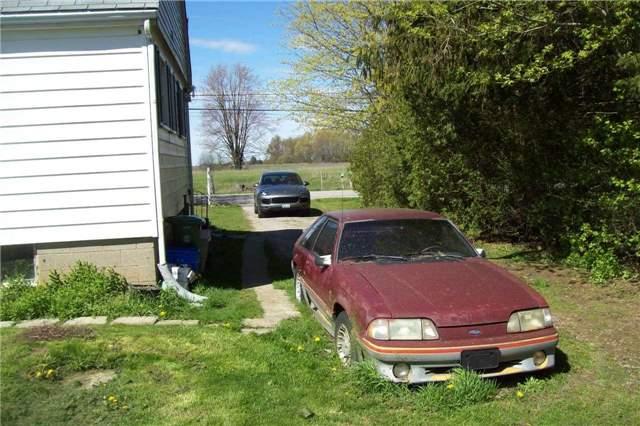 Detached at 9697 Dickenson Rd W, Hamilton, Ontario. Image 6