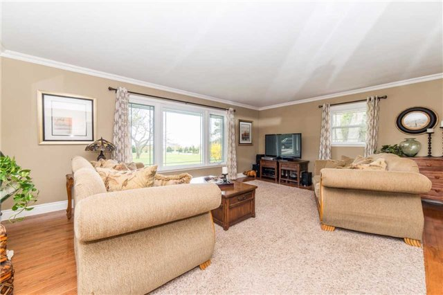 Detached at 5766 Lakeshore Rd, Port Hope, Ontario. Image 14