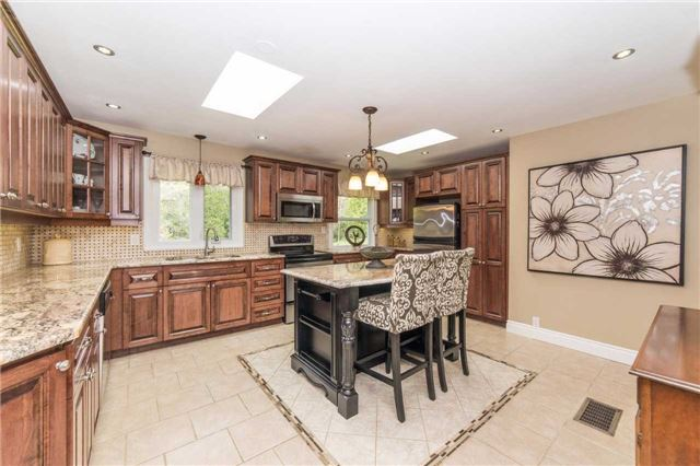 Detached at 5766 Lakeshore Rd, Port Hope, Ontario. Image 17
