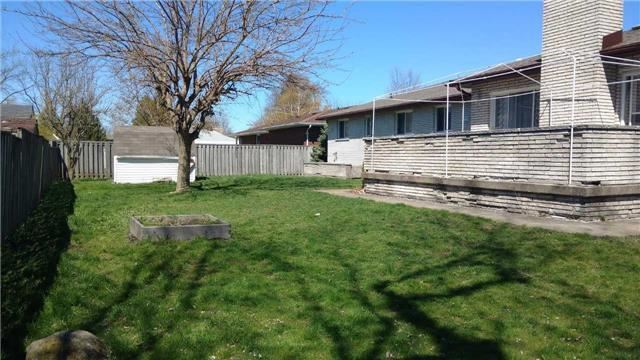Detached at 925 Buffalo Rd, Fort Erie, Ontario. Image 11