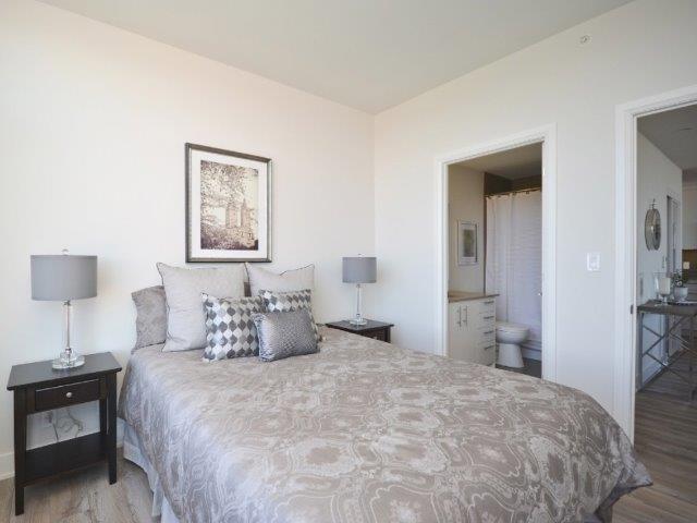 Condo Apartment at 1035 Bank St, Unit 1305, Ottawa, Ontario. Image 9