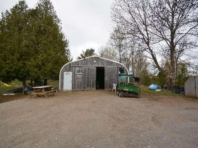 Detached at 2412 Monck Rd, Kawartha Lakes, Ontario. Image 15