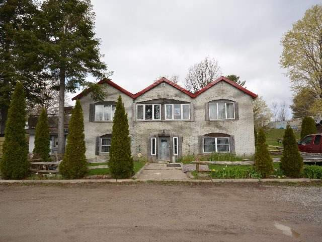 Detached at 2412 Monck Rd, Kawartha Lakes, Ontario. Image 3