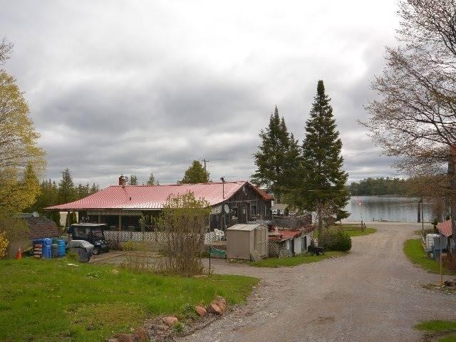 Detached at 2412 Monck Rd, Kawartha Lakes, Ontario. Image 10