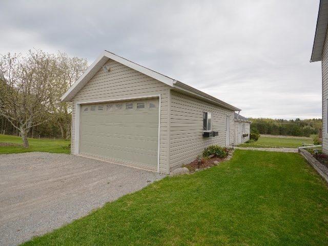 Detached at 160 Pontypool Rd, Kawartha Lakes, Ontario. Image 4