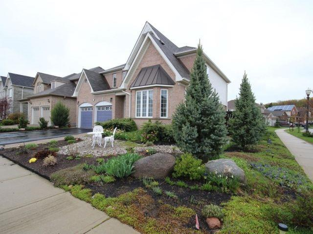 Detached at 31 Mossgrove Dr, Kitchener, Ontario. Image 11