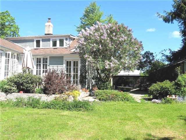 Detached at 235 Water St, Cobourg, Ontario. Image 14