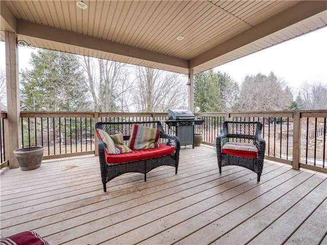 Detached at 640 Lakeview Dr, Woodstock, Ontario. Image 3