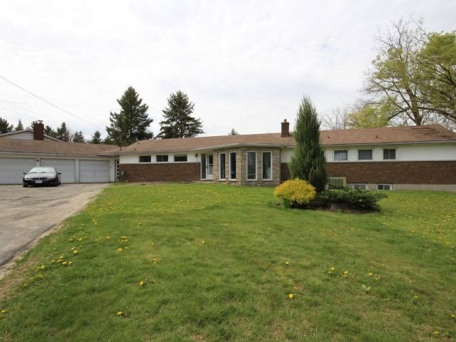 Detached at 3 Springdale Dr, Kitchener, Ontario. Image 1