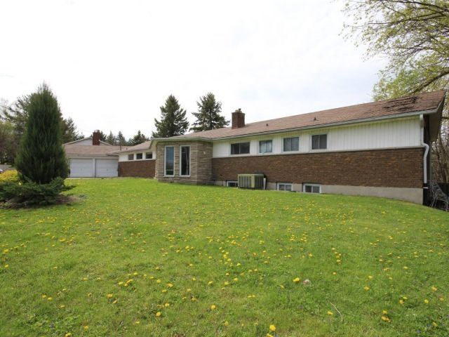Detached at 3 Springdale Dr, Kitchener, Ontario. Image 12