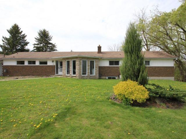 Detached at 3 Springdale Dr, Kitchener, Ontario. Image 14