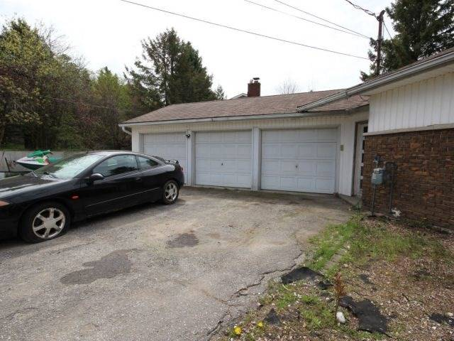 Detached at 3 Springdale Dr, Kitchener, Ontario. Image 15