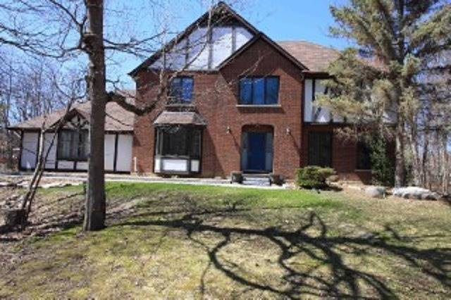 Detached at 10 Forest Dr, Kingston, Ontario. Image 1