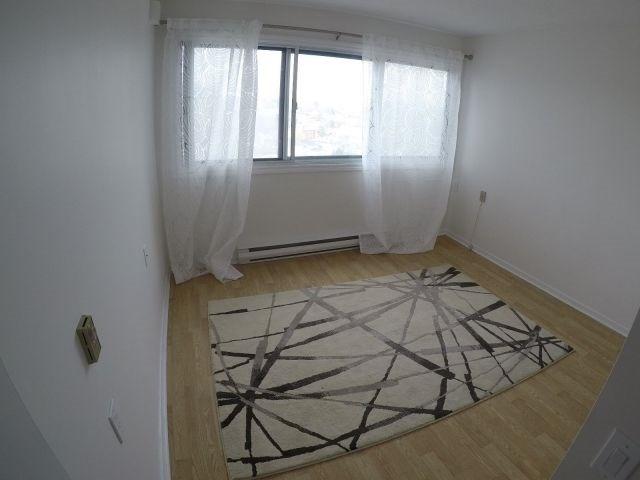 Condo Apartment at 40 Landry St, Unit 914, Ottawa, Ontario. Image 6