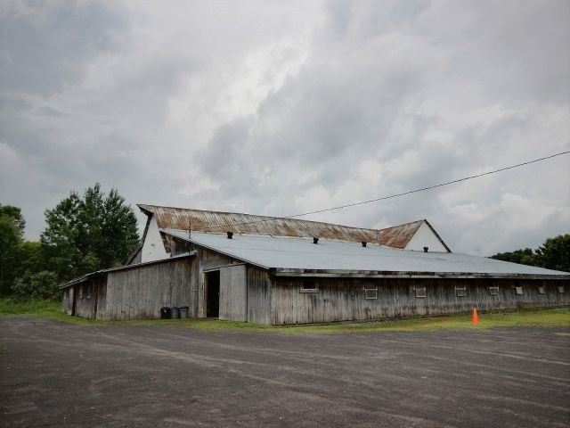 Detached at 1800 Landry St, Clarence-Rockland, Ontario. Image 10