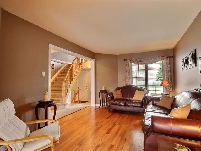 Townhouse at 1502 Tonilee Dr, Ottawa, Ontario. Image 16