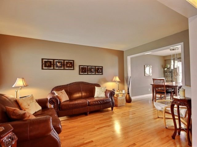 Townhouse at 1502 Tonilee Dr, Ottawa, Ontario. Image 17