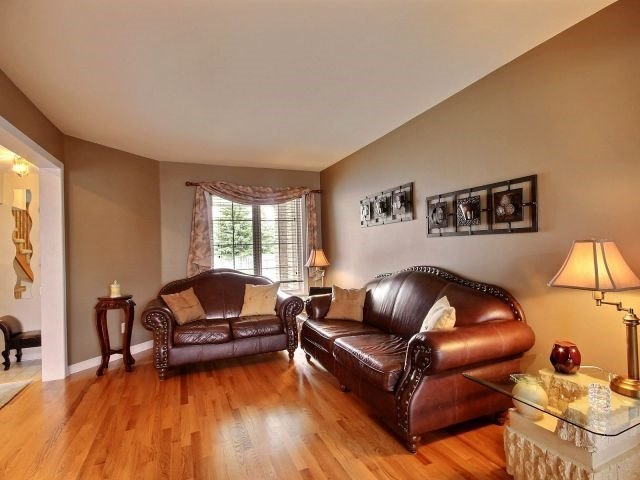 Townhouse at 1502 Tonilee Dr, Ottawa, Ontario. Image 18