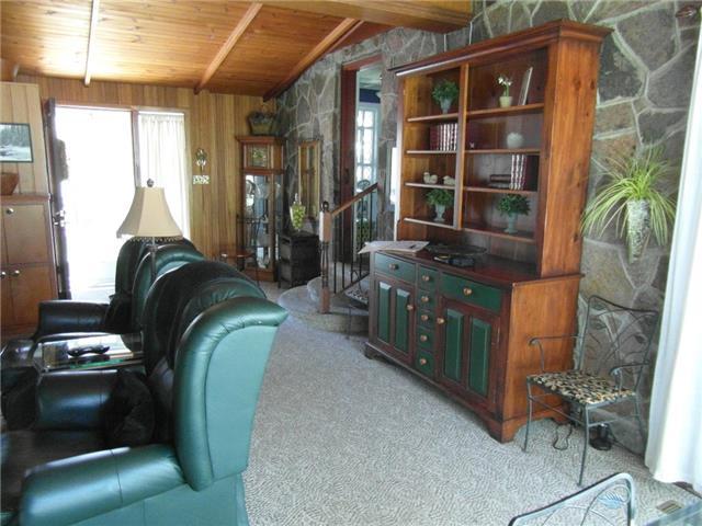 Detached at 114 Colborne St W, Kawartha Lakes, Ontario. Image 12
