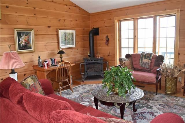 Detached at 224 County Rd 22 Rd, Prince Edward County, Ontario. Image 12
