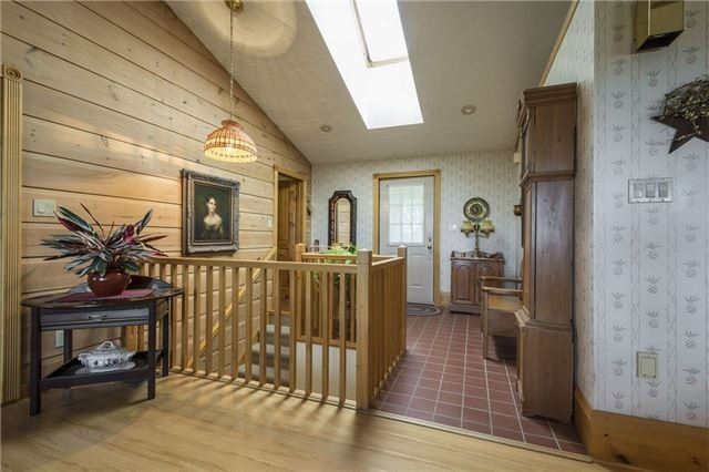 Detached at 224 County Rd 22 Rd, Prince Edward County, Ontario. Image 3