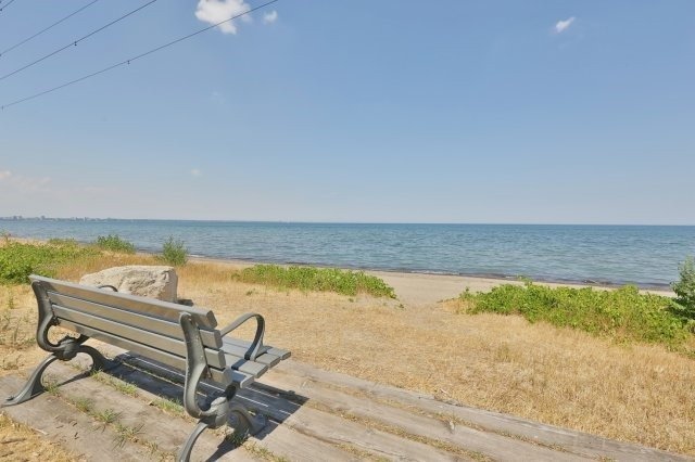 Detached at 621 Beach Blvd, Hamilton, Ontario. Image 11