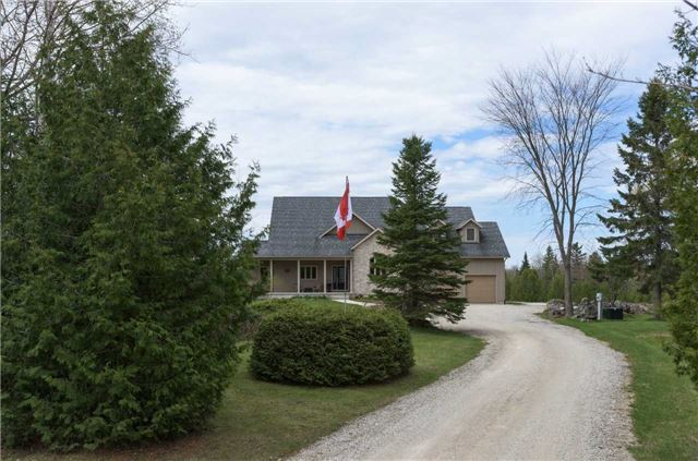 Detached at 555538 6th  Line, Blue Mountains, Ontario. Image 12