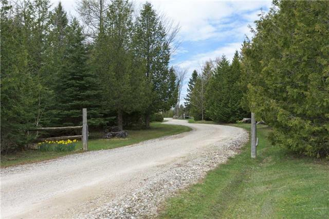 Detached at 555538 6th  Line, Blue Mountains, Ontario. Image 14