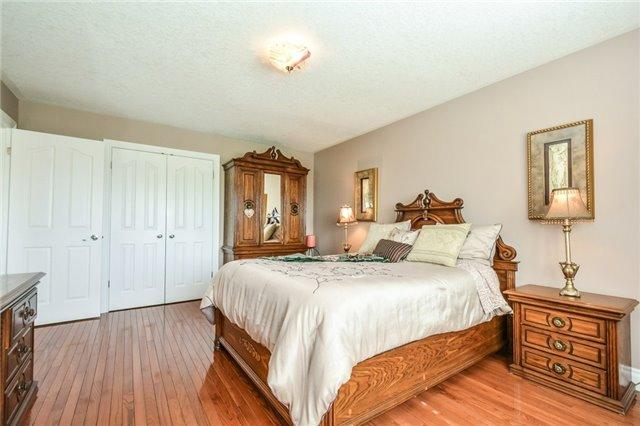 Detached at 92 Trussler Rd, Kitchener, Ontario. Image 7