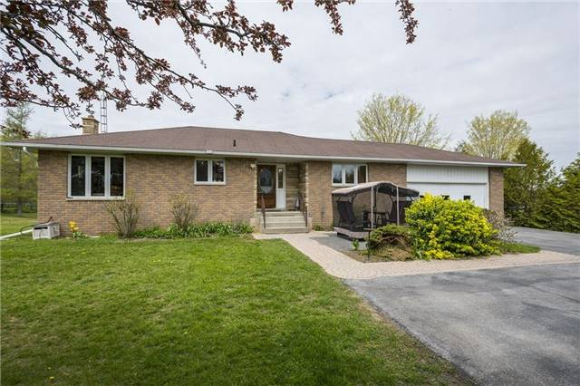 Detached at 1208 County Rd 12 Rd, Prince Edward County, Ontario. Image 1
